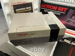 Nintendo Entertainment System Nes Console Action Set Zapper 2 Controllers Boxed