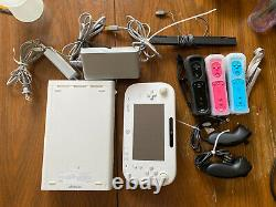 Nintendo Wii U White Handheld System / Console with Three Controllers WORKING